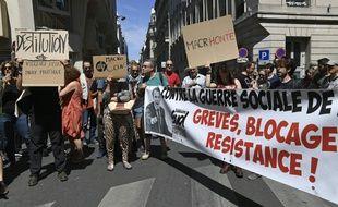 Quelque 150 manifestants devant le siège de LREM ce samedi.