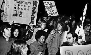 """Un cambriolage raté, une source mystérieuse surnommée """"gorge profonde"""", des micros cachés: tels sont les ingrédients du Watergate, l'affaire qui a secoué les Etats-Unis il y a 40 ans et dont les Américains ont gardé une méfiance épidermique envers le pouvoir."""
