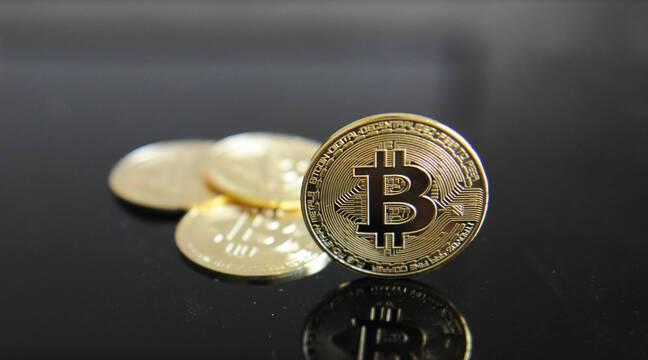 L'inventeur mystérieux du bitcoin a désormais sa statue à Budapest