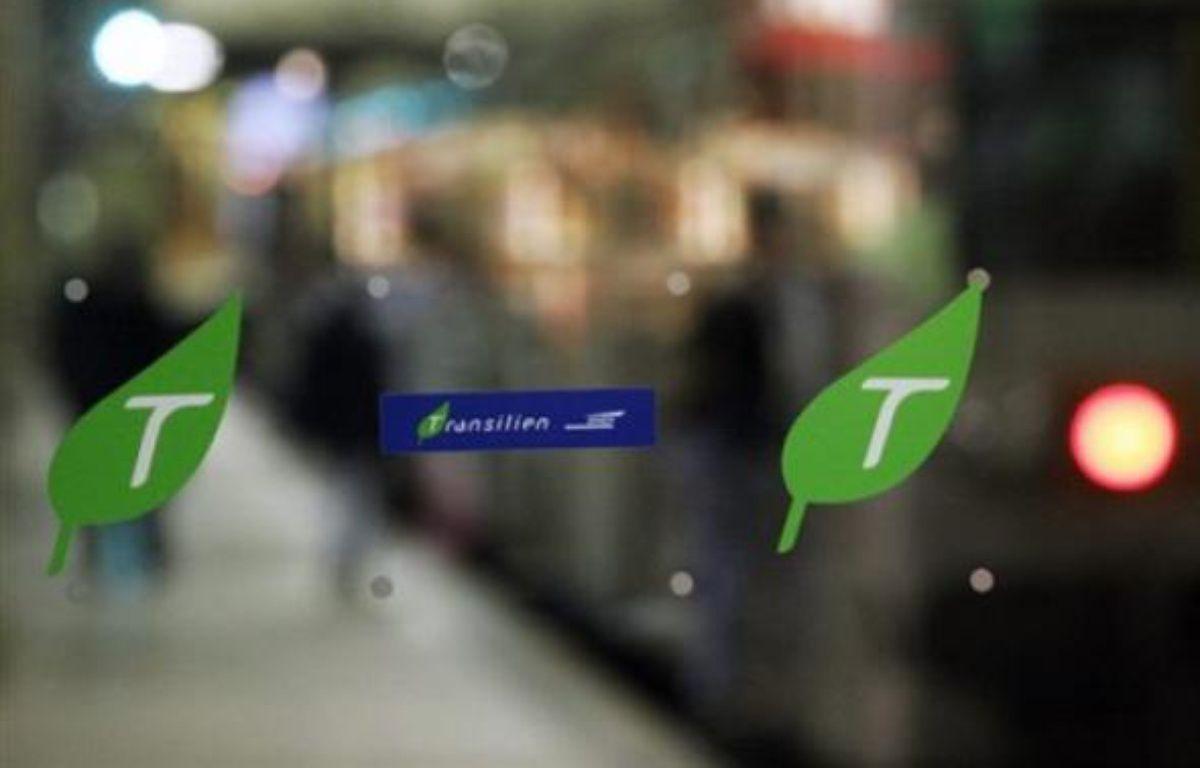 Des grèves de cheminots, liées notamment à de nouveaux horaires, perturberont encore mercredi et jeudi - jour de Noël - le trafic de Paris Saint-Lazare, mais aussi d'autres lignes franciliennes et de certains trains régionaux à Strasbourg et Nice, selon la SNCF. – Joel Saget AFP/Archives
