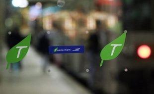 Des grèves de cheminots, liées notamment à de nouveaux horaires, perturberont encore mercredi et jeudi - jour de Noël - le trafic de Paris Saint-Lazare, mais aussi d'autres lignes franciliennes et de certains trains régionaux à Strasbourg et Nice, selon la SNCF.