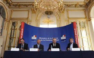 """Frédéric Mitterrand installe la mission """"Création et Internet"""" jeudi 3 septembre 2009"""