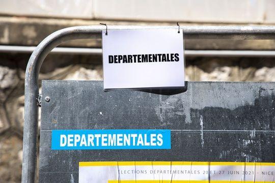 Un panneau électoral à Nice pour les élections départementales. (Illustration)