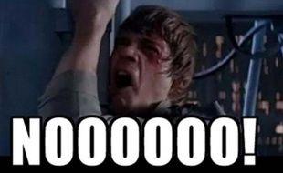 Luke Skywalker vient d'apprendre que Mickey est son nouveau père.