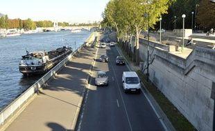 Les voies sur berges à Paris. Illustration
