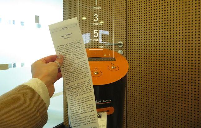 Un distributeur d'histoires courtes en gare de Nantes