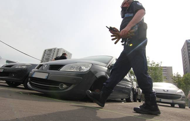VIDEO. Rennes: Cannabis, batte de base-ball et pneus crevés… La police enlève les voitures abandonnées au Blosne