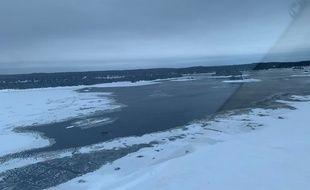Des images aériennes autour de Beemer Island, près du Lac-Saint-Jean où les touristes français sont portés disparus.