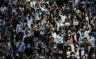 Les manifestants pro-démocratie continuent à Hong Kong, le 15 novembre 2019.