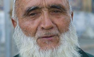 Portrait d'un homme barbu au Tadjikistan en 2013.