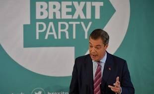 Le leader du Brexit Party, Nigel Farage, lors d'un discours à Hartlepool, dans le nord-est de l'Angleterre, le 11 novembre 2019.