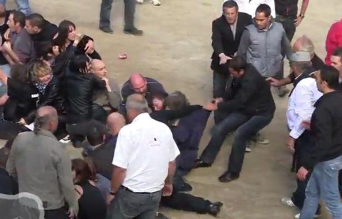 La manifestation anticorrida à Rodilhan (Gard) a viré à l'affrontement. – Capture d'écran