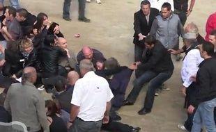 La manifestation anticorrida à Rodilhan (Gard) a viré à l'affrontement.