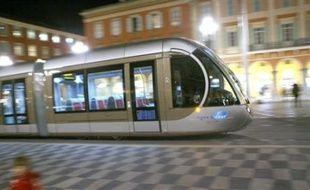 Une rame du tramway de Nice