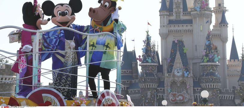 Mickey, Minnie et Horace à Disneyland Tokyo, en 2014.