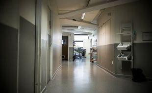 Le couloir d'un hôpital (illustration).