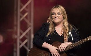 Lola Dubini est chanteuse, humoriste et youtubeuse.