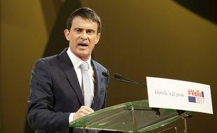 Manuel Valls en meeting à Alfortville, jeudi 26 janvier.