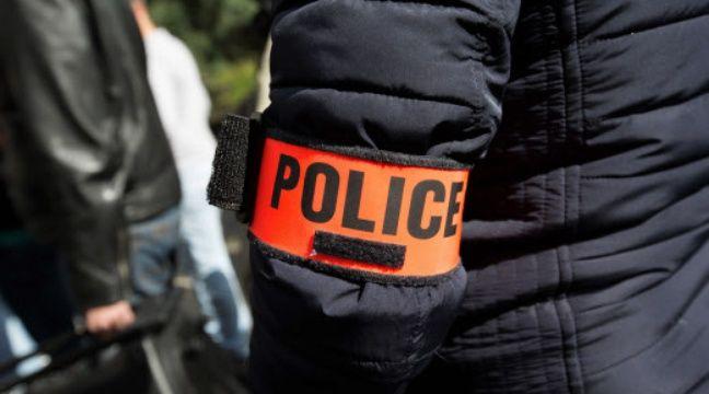 Illustration d'un policier à Paris. – Yann Bohac/SIPA