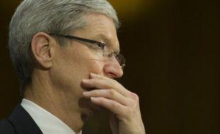 Le groupe informatique Apple comparaissait lundi à New York devant la justice, accusé par le gouvernement américain de s'être entendu avec cinq maisons d'édition aux Etats-Unis pour relever les prix des livres électroniques, au détriment des consommateurs.