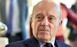 Alain Juppé a expliqué qu'il ne voulait pas commenter la décision de François Hollande de ne pas être candidat à sa succession.