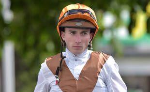 Le jockey Pierre-Charles Boudot, lors d'une cours en Angleterre le 26 avril 2019.