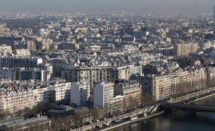 Les associations étaient divisées lundi sur un rapport remis à la ministre du Logement Cécile Duflot qui préconise notamment l'augmentation du taux obligatoire de logements sociaux dans certaines communes ou l'augmentation de la taxe sur les logements vacants.