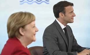 Emmanuel Macron et Angela Merkel lors du G7 en Cornouailles.