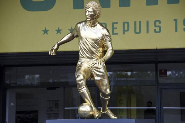 La statue d'Henri Michel.