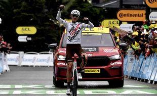 Ben O'Connor, impressionnant vainqueur d'une 9e étape du Tour de France disputée dans le froid et sous la pluie, ce dimanche entre Cluses et Tignes.
