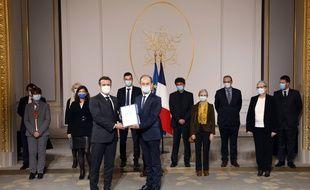 Remise du rapport Duclert sur le Rwanda à Emmanuel Macron