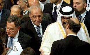 La majorité libanaise, soutenue par les pays occidentaux et l'Arabie saoudite, et l'opposition, appuyée par l'Iran et la Syrie, ont conclu mercredi un accord de sortie de crise, repoussant ainsi le spectre d'une guerre civile au pays du Cèdre.
