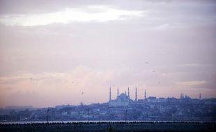 Une vue d'Istanbul, la plus grande ville Turquie, et sa Mosquée bleue