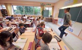 La loi sur le droit d'accueil en cas de grève en primaire, qui connaîtra jeudi son premier grand test national avec la mobilisation annoncée des enseignants, montre plusieurs limites et de nombreuses communes l'estiment inapplicable.