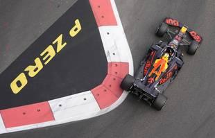 Le Mexicain Sergio Perez (Red Bull ) lors du Grand Prix de Formule 1 de Bakou, en Azerbaïdjan, le dimanche 6 juin 2021.