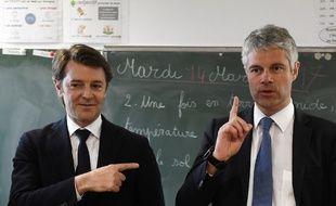 François Baroin désigne du doigt le prochain président LR.