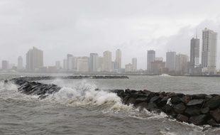 Le typhon Yutu a frappé le nord des Philippines, provoquant des milliers d'évacuations, le 30 octobre 2018.