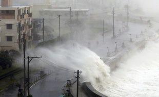 Le typhon Trami poursuit sa route sur l'archipel du Japon après avoir atteint le 28 septembre l'île d'Okinawa.