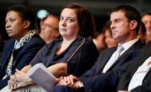 L'ancien Premier ministre Manuel Valls aux côtés d'Emmanuelle Cosse, ex-ministre du Logement