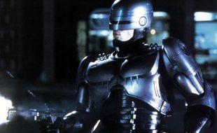 Peter Weller dans le rôle de Robocop.