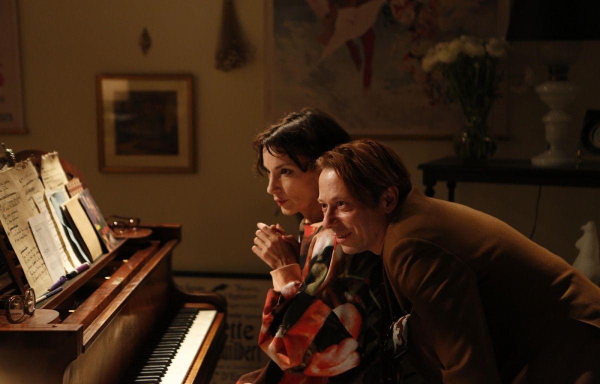 Jeanne Balibar et Mathieu Amalric dans Barbara de Mathieu Amalric – Gaumont Distribution