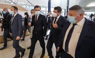 Olivier Véran en visite à Nice avec Christian Estrosi, ce samedi 20 février.