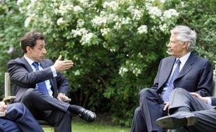 Machinations politiques, espionnage et institutions financières complexes sont les ingrédients d'un procès haut en couleur qui se tiendra en 2009 en France, avec pour vedette l'ex-Premier ministre Dominique de Villepin, accusé d'avoir voulu déstabiliser Nicolas Sarkozy.