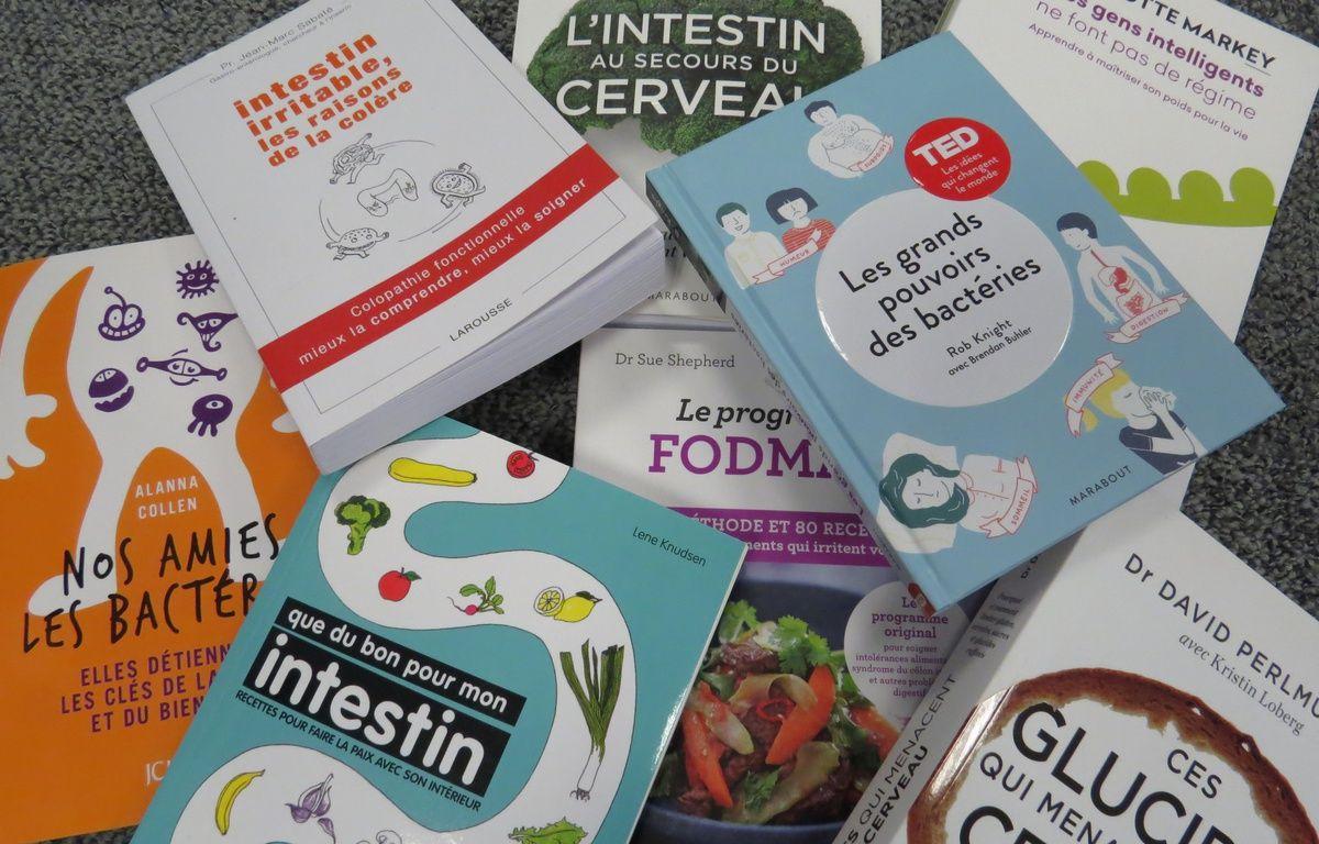 Illustration de livres sur le sujet des intestins, le 25 février 2016. – 20 Minutes