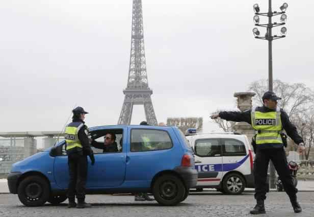 Circulation alternée reconduite à Paris — Pollution