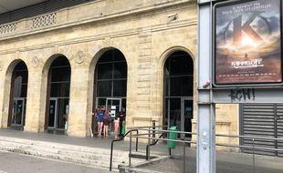 L'obligation de présenter un pass sanitaire a rebuté les clients à l'entrée du Mégarama de la rive droite bordelaise, ce mercredi.