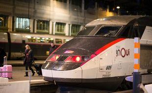 Un TGV InOui sur un quai de la gare de Lyon, le 13 janvier 2020 à Paris.