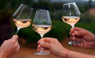 Des verres de rosé du Château Sainte-Marguerite, à La Londe-les-Maures, le 28 août 2012.