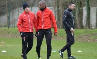 Juan Quintero, Gelson Fernandes et le nouveau préparateur physique du Stade Rennais, Grégory Gaillard, lors de l'entraînement du 25 janvier 2016.