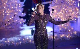 Mary J Blige a chanté à New York pour l'inauguration du sapin de noël géant du Rockfeller Center le 5 décembre 2013